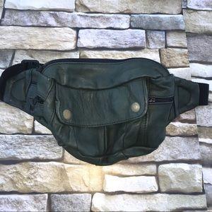0934c77ccb15 Handbags - Vintage 70s, 80s Leather fanny pack Dark Green